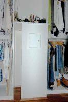 Einwurf-im-begehbarem-Kleiderschrank